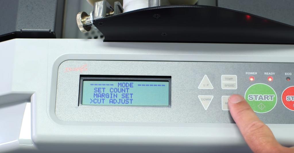 そう「AL-MEISTER ALM3230」なら、自動カッティングしてくれます。細かく調整可能です。