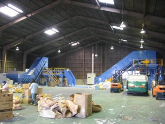 紙処理工場の新設に伴い機種選定・導入
