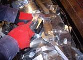 機密処理用の一軸破砕機の刃物を交換(ローテーション)させて、切れ味を維持。