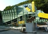 バイオマスペレットの製造会社へ、バーク(樹皮)の破砕機を納入しました。