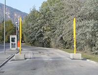 ゲート型・放射線モニター(パネルタイプ・ポールタイプ) ゲート型・放射線モニター(ポールタイプ)