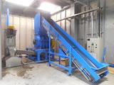 硬質プラスチック粉砕洗浄脱水設備。25年に渡るお客様との新たな取り組み。