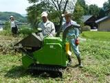 野焼き禁止以降困っていた雑木処理に、市の補助金で木材チッパーを導入