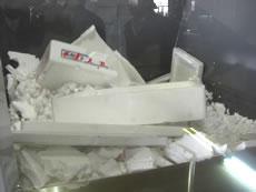 納入事例2・発泡スチロール減容機・50kg/hタイプ