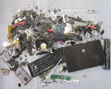 パソコン 破砕後
