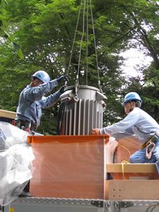 PCB保管容器へトランスの収納1