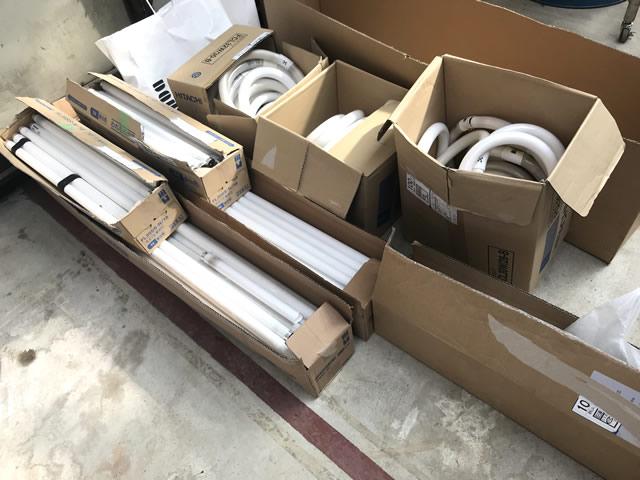 許可が必要になった廃蛍光管の処理依頼が全国的に増えています。