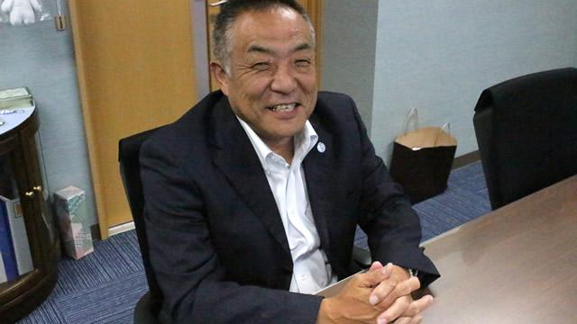 代表取締役 山本久一様。事業のこと、現場の改善点などいろいろなことを教えていただいています。