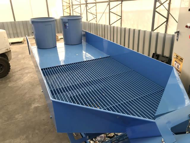 標準品より大きいW1200×L2500mmの作業テーブル